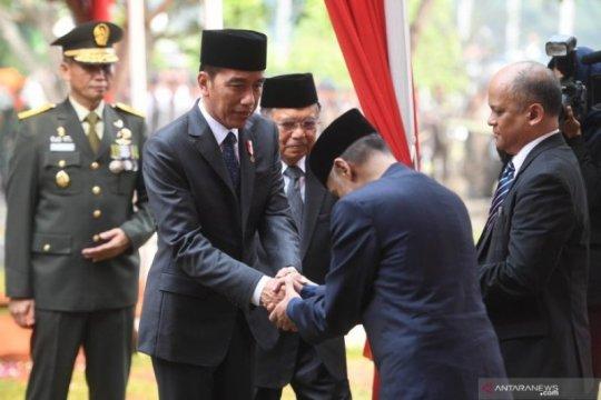 Upacara pemakaman BJ Habibie di Taman Makam Pahlawan Nasional Utama Kalibata Page 3 Small