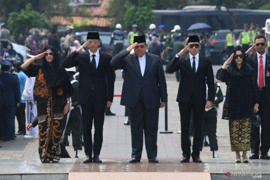 BJ Habibie wafat : Tokoh-tokoh bangsa hadiri pemakaman