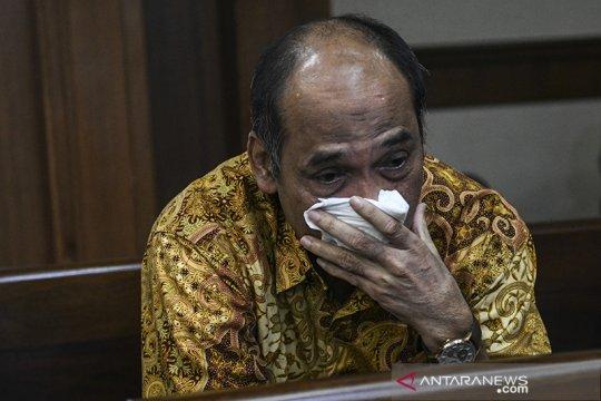 Mantan Deputi IV Kemenpora Mulyana divonis 4,5 tahun penjara