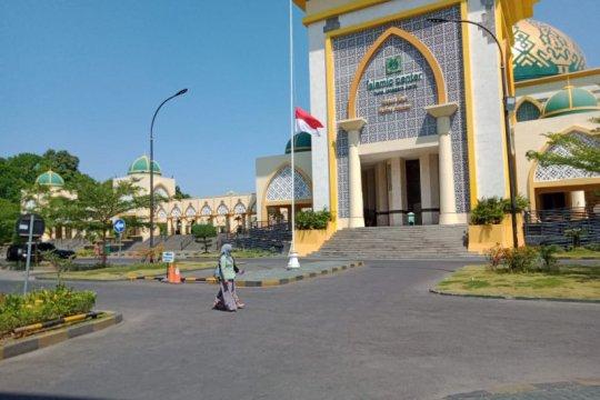 BJ Habibie Wafat - Pemkot instruksikan kibarkan bendera setengah tiang