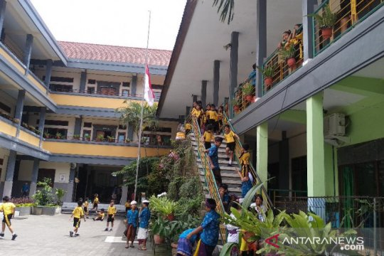 BJ Habibie wafat - Kadisdik Bali: Habibie sosok visioner