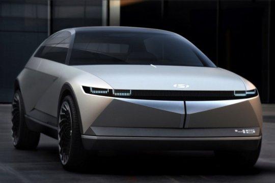 Hyundai kenalkan mobil konsep EV 45 di Frankfurt Motor Show 2019