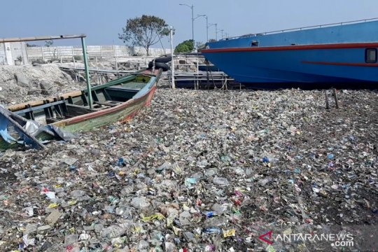 Waste4Change tangani sampah plastik dengan layanan dropbox