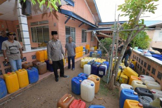 Sumur kering, warga Pulau Penyengat kesulitan air bersih