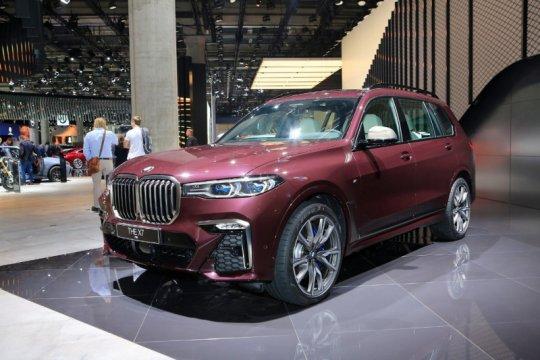 BMW X7 M50i dikenalkan di Frankfurt Motor Show