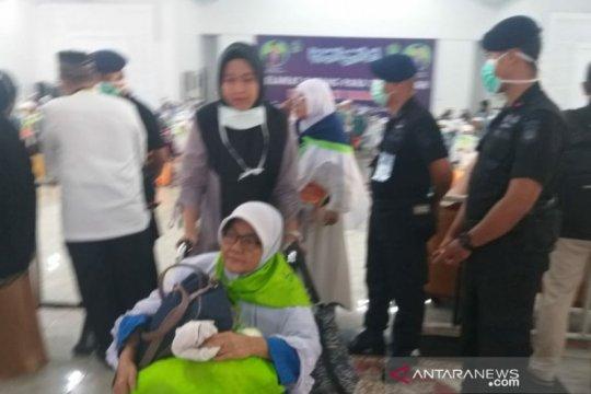 Haji Satio asal Padang Lawas Utara masih dirawat di Madinah