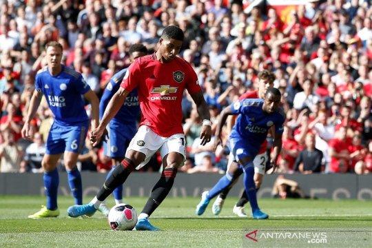 MU akhirnya cetak gol penalti dan kalahkan Leicester 1-0