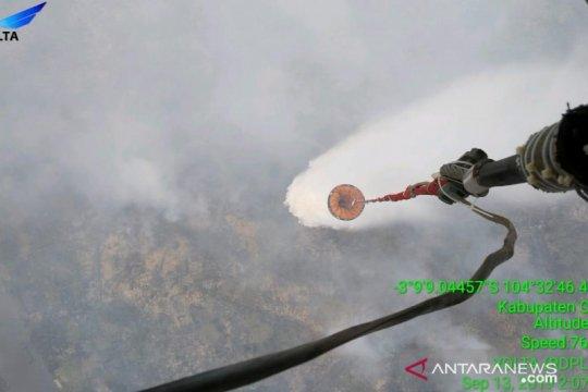 Pemprov Sumsel bagikan masker antisipasi kabut asap