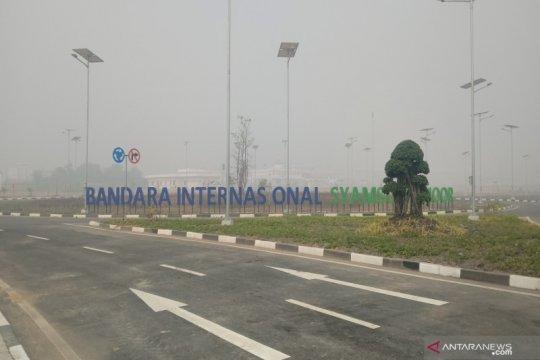 Jarak pandang Bandara Syamsudin Noor hanya 50 meter