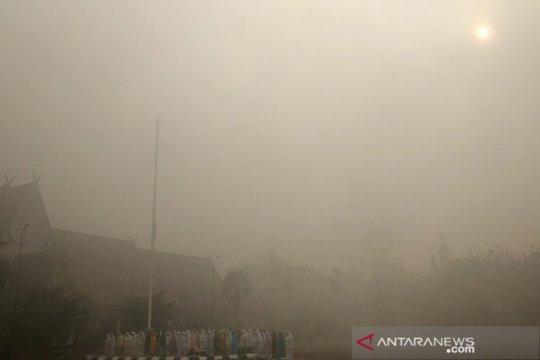 Masyarakat Sampit salat istisqa di tengah kepungan asap