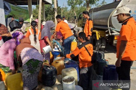 Pemkab Pamekasan distribusikan 1.848 tangki bantuan air bersih