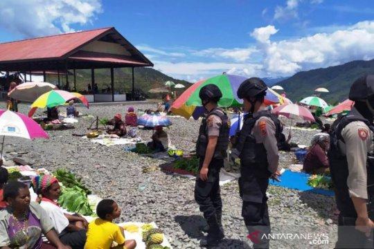 Polres Puncak Jaya gelar patroli serta sambang warga