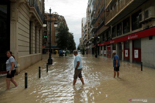 Banjir di tenggara Spanyol tewaskan enam jiwa