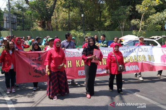 Istri mantan wali kota daftar calon wali kota Surabaya 2020 di PDIP