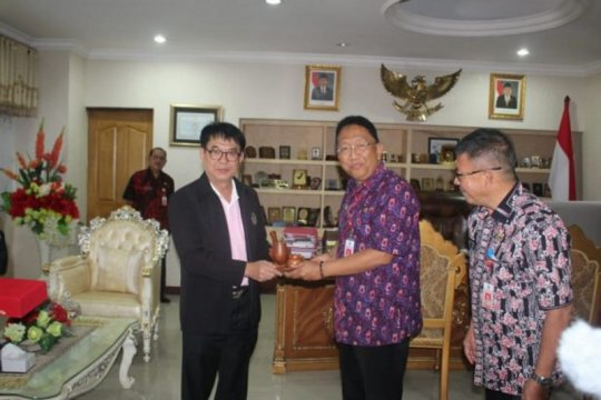 Pemprov Sulut-Thailand jajaki kerja sama pengembangan kelapa