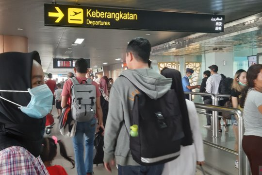 Kabut asap, penumpang mulai menumpuk di Bandara Supadio