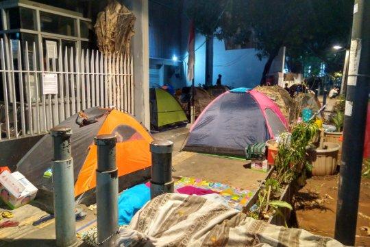 Puluhan pencari suaka kembali tempati trotoar Kebon Sirih Jakarta