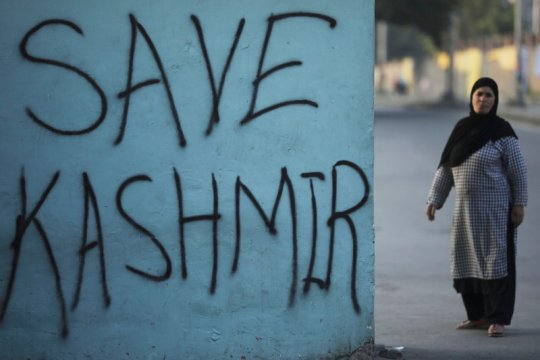 Tentara India dan sipil Pakistan tewas di tengah bentrok Kashmir