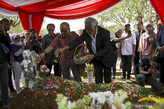 Xanana Gusmao ziarah makam BJ Habibie