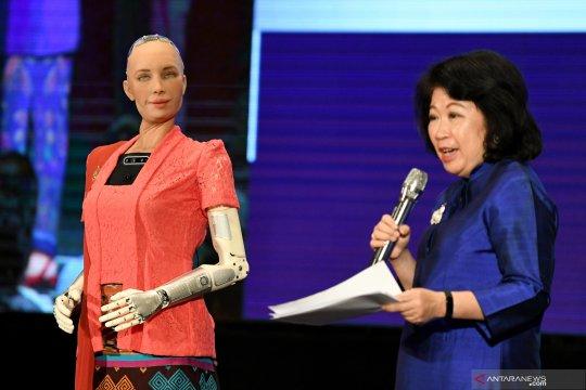 Kantor catatan sipil Rusia pekerjakan robot jadi petugas administrasi