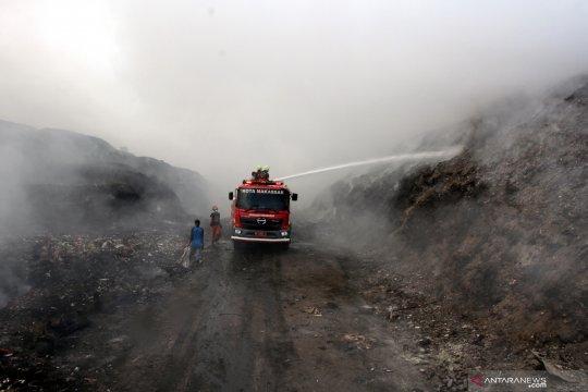 Pemadaman TPA Antang 15 jam sisakan polusi asap