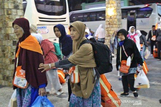 13 haji Debarkasi Surakarta tertunda kepulangannya