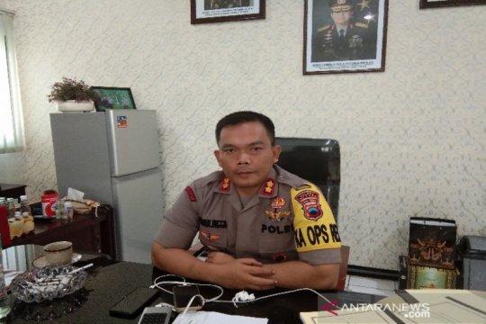Pria bertopeng gasak 32 laptop SMKN di Batang