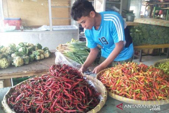 Penurunan harga cabai dorong deflasi di Batam