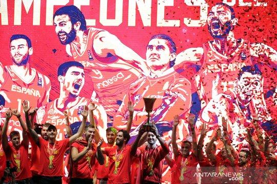 Tim Spanyol rayakan juara dunia basket di kota Madrid