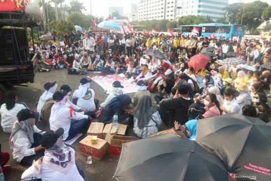 Demonstrasi tolak dan dukung RUU PKS berlangsung di depan Parlemen