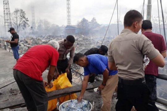 Polisi nyatakan tiga orang korban luka-luka akibat kebakaran di Asmat
