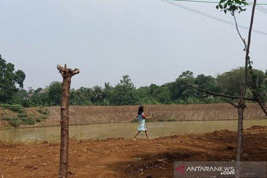 Jelang musim hujan, tiga waduk di Jakarta Timur diperdalam