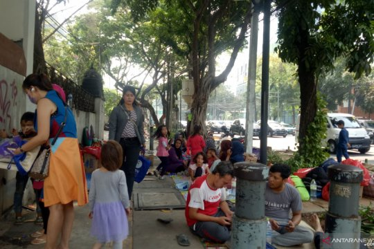 Pencari suaka Kebon Sirih diwajibkan gulung tenda setiap pukul 6 pagi