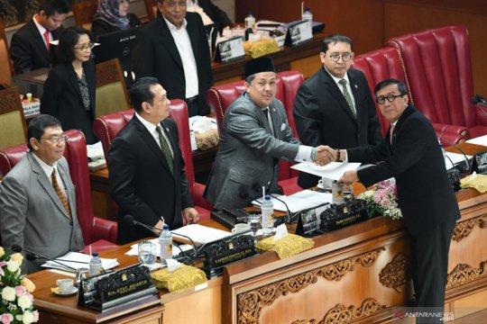 Pengamat: DPR miliki kepentingan bersama di balik pengesahan UU KPK
