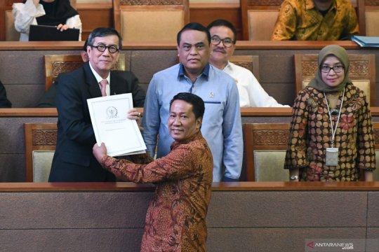 Pengesahan revisi UU KPK di DPR