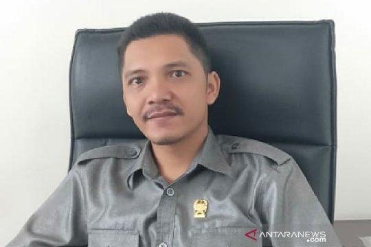 """Resmi jadi anggota DPRD Medan, Erwin Siahaan tidak berhenti """"ngojek"""""""