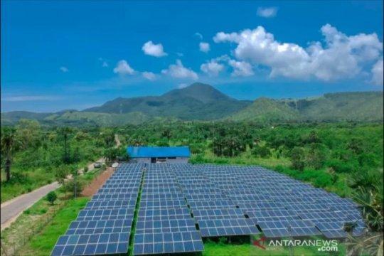 Memanen cahaya matahari di bumi NTT demi target rasio elektrifikasi
