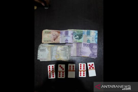 Judi domino di Tambora, polisi ringkus empat tersangka