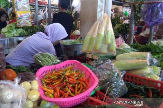 Harga cabai di pasar tradisional Purwokerto berangsur turun