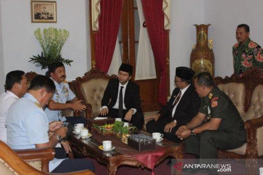 Panglima ziarah makam Bung Karno dan Gus Dur jelang HUT TNI