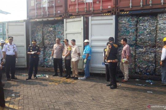 KLHK temukan 318 kontainer plastik mengandung limbah B3
