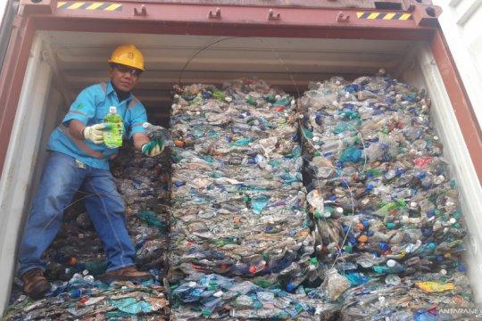 Indonesia reekspor sembilan kontainer limbah B3 ke Australia