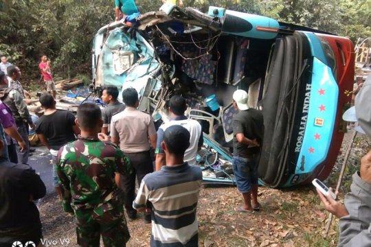 Polda Lampung tetapkan tersangka sopir bus Rosalia Indah