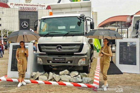DCVI luncurkan truk Axor 2528 CH