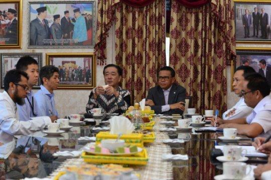 Gubernur Sulsel-Konsul Jepang bahas pemenuhan listrik warga di pulau