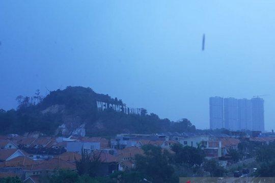 Kabut asap ganggu penerbangan Bandara Hang Nadim, 1 batal terbang