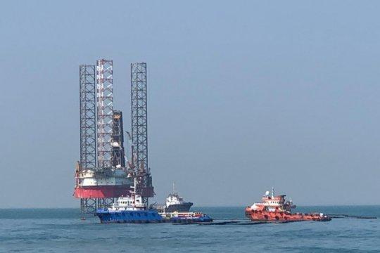 Pertamina turunkan personil bersihkan pesisir Karawang