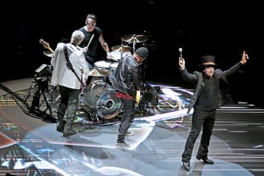 U2 akan konser di India