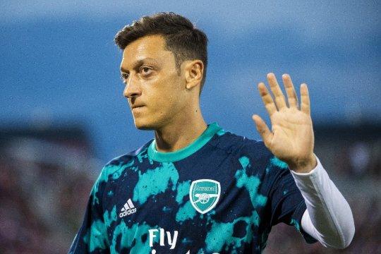 Arsenal istirahatkan Ozil dan Sokratis untuk lawatan ke Frankfurt