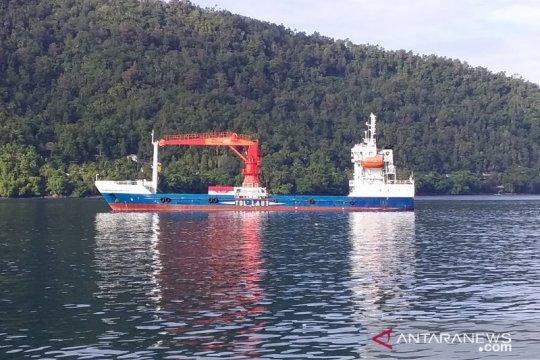 Peringati Hari Maritim Nasional, Luhut akui belum puas dengan tol laut